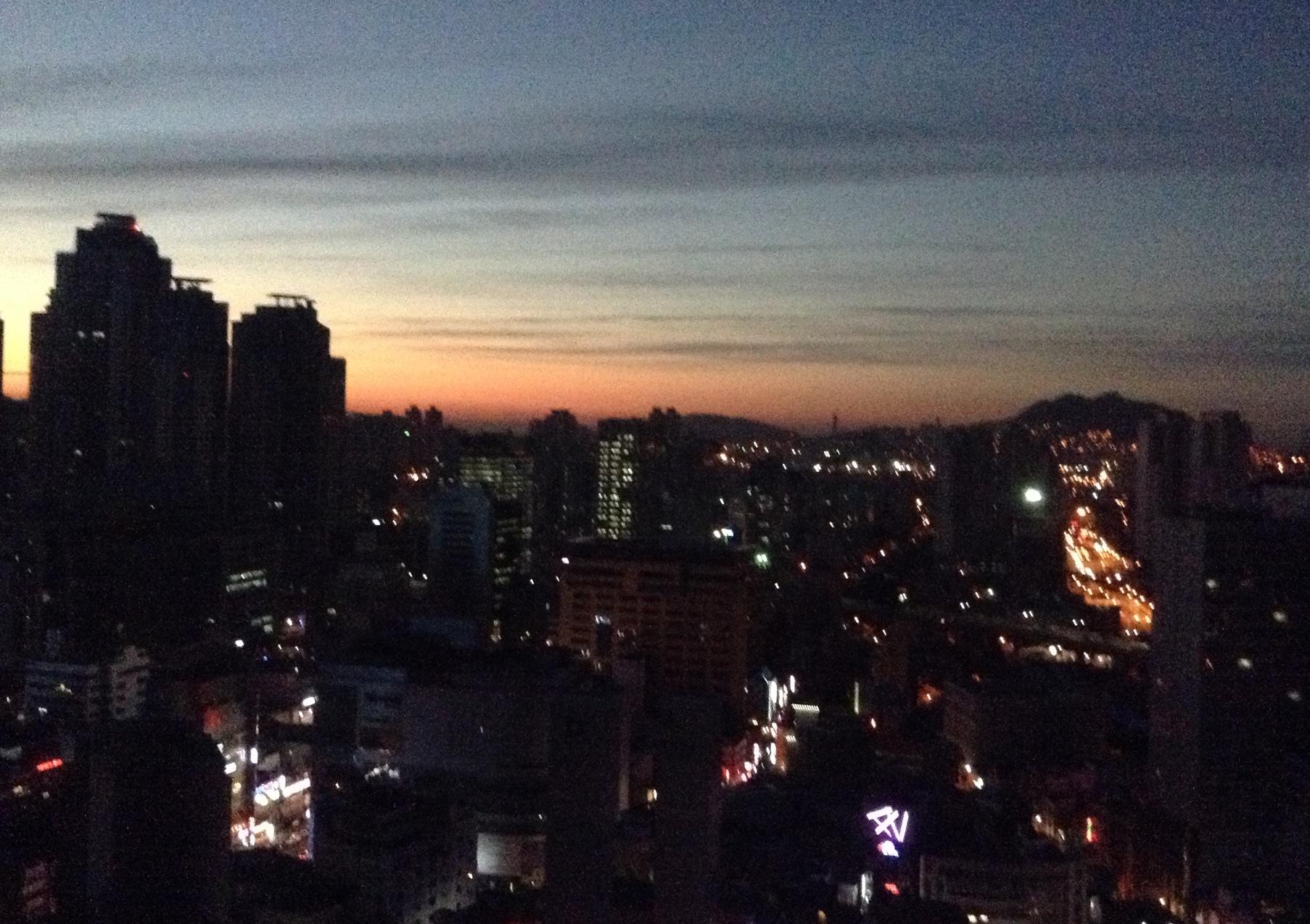 釜山の夜明け